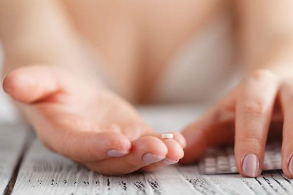 طريقة استخدام حبوب منع الحمل لاول مرة
