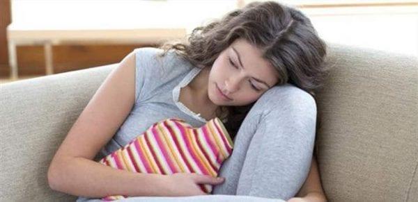 الفرق بين اعراض الدورة الشهرية واعراض الحمل