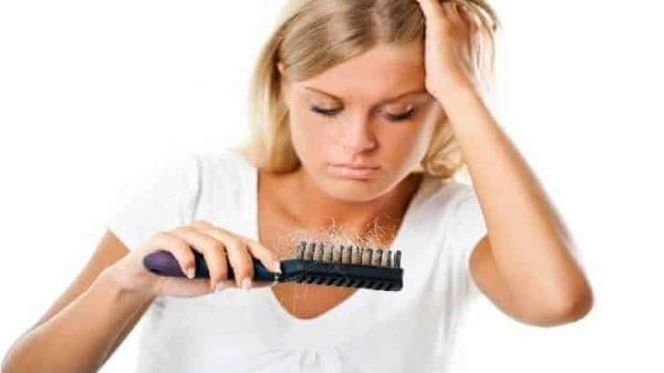 اسباب تساقط الشعر عند البنات