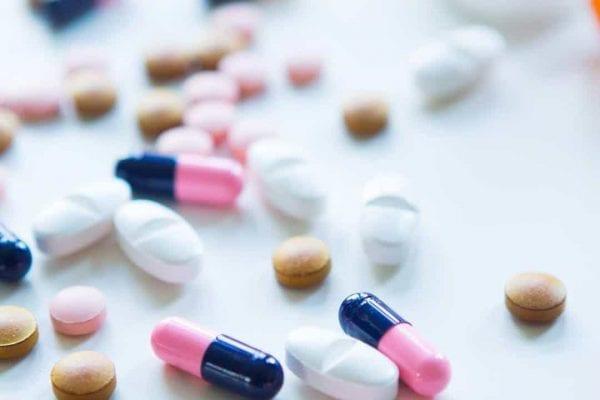 التفاعلات الدوائية لاقراص فينيتوين مع الادوية الاخرى