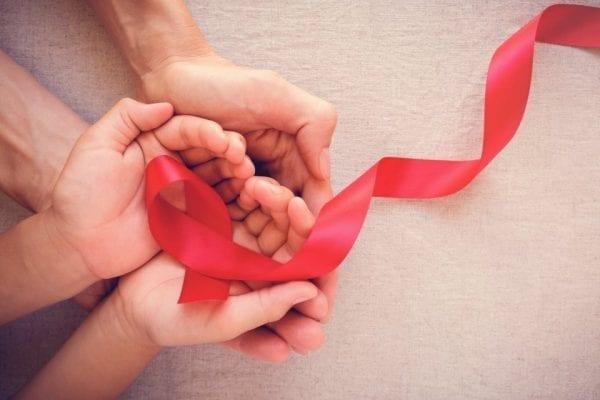 متى تظهر اعراض الايدز بعد ممارسة العلاقة ؟