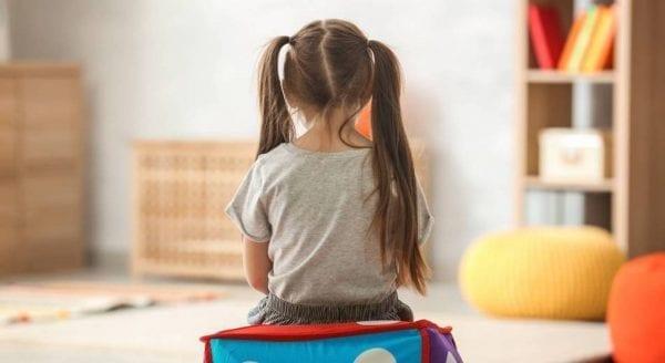 اسباب مرض التوحد عند الأطفال